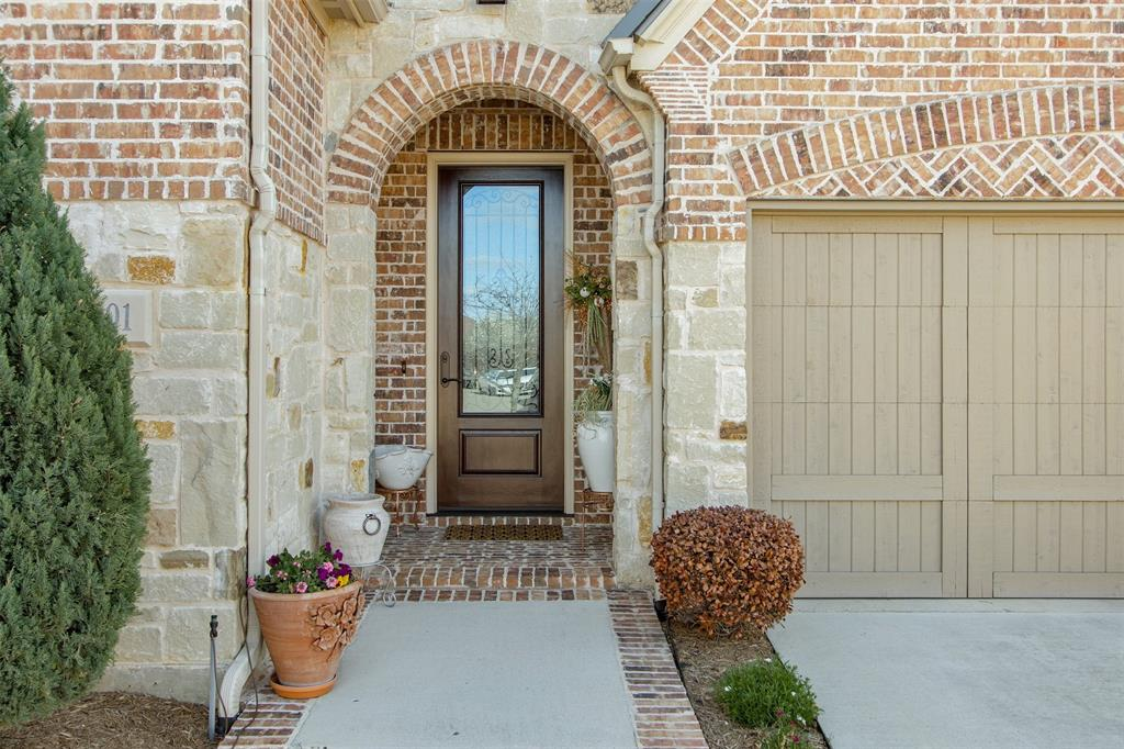 8801 Honeysuckle Drive, Lantana, Texas 76226 - acquisto real estate best flower mound realtor jody daley lake highalands agent of the year
