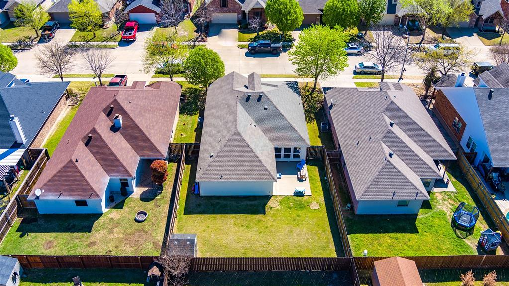 1643 Hillside  Drive, Waxahachie, Texas 75165 - acquisto real estate best plano real estate agent mike shepherd