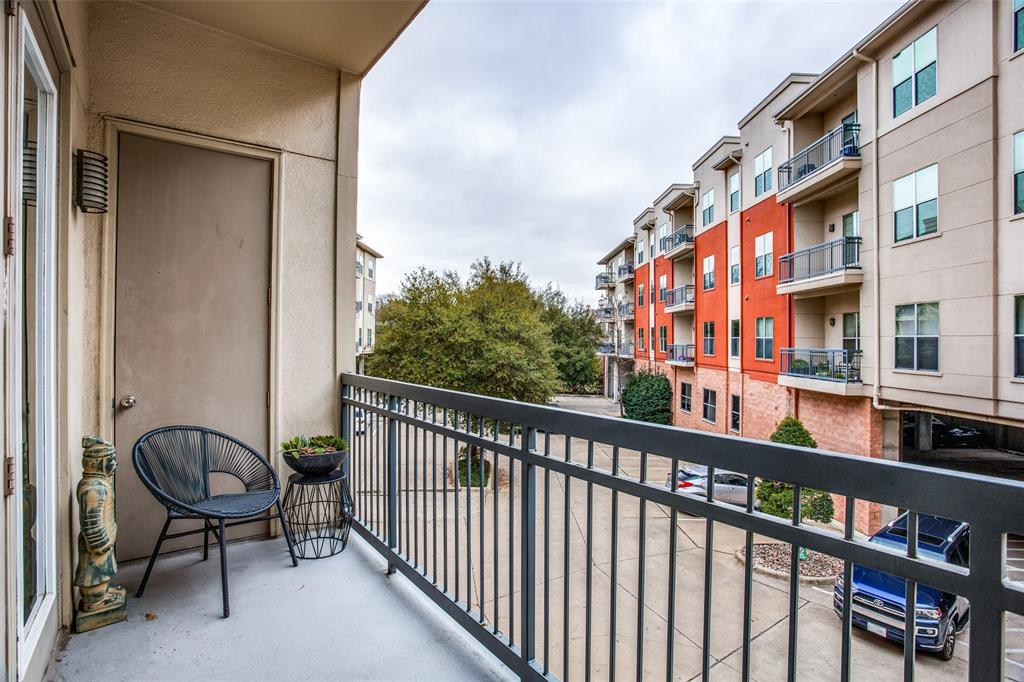 2950 Mckinney Avenue, Dallas, Texas 75204 - acquisto real estate best frisco real estate agent amy gasperini panther creek realtor