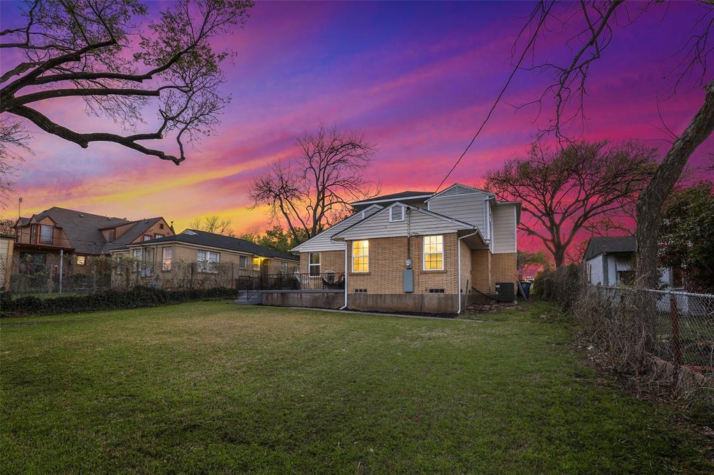 418 Montreal Avenue, Dallas, Texas 75208 - acquisto real estate best realtor dfw jody daley liberty high school realtor