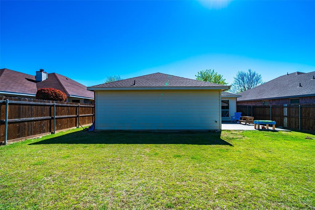 1643 Hillside  Drive, Waxahachie, Texas 75165 - acquisto real estate best park cities realtor kim miller best staging agent