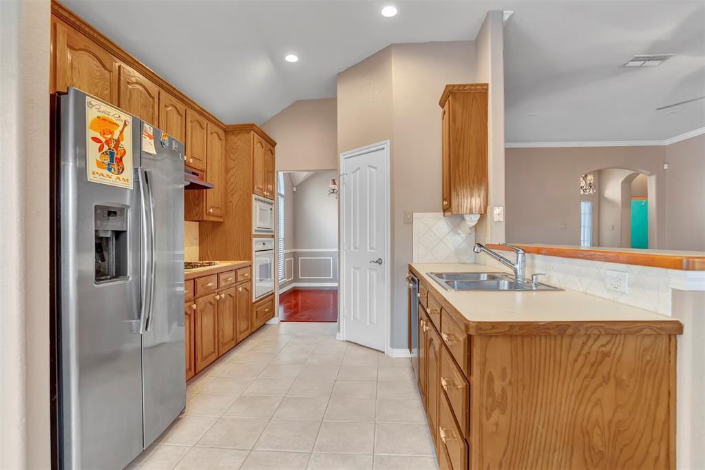 1811 Swaim Court, Arlington, Texas 76001 - acquisto real estate best listing listing agent in texas shana acquisto rich person realtor