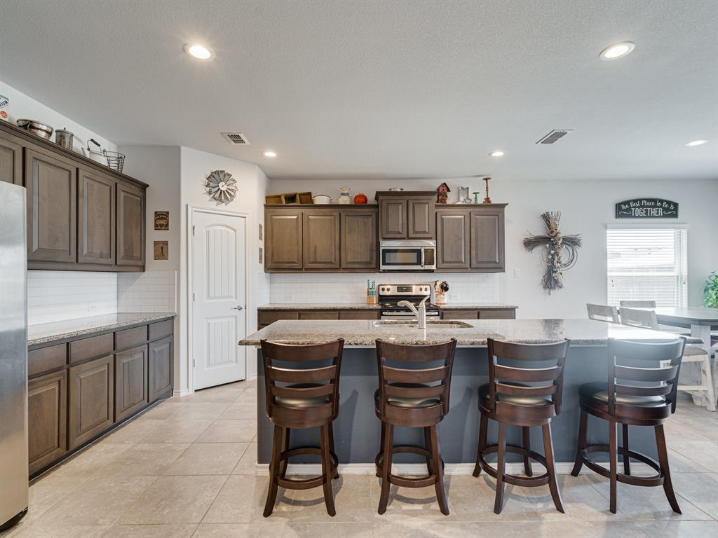 1725 Cross Creek Lane, Cleburne, Texas 76033 - acquisto real estate best real estate company in frisco texas real estate showings