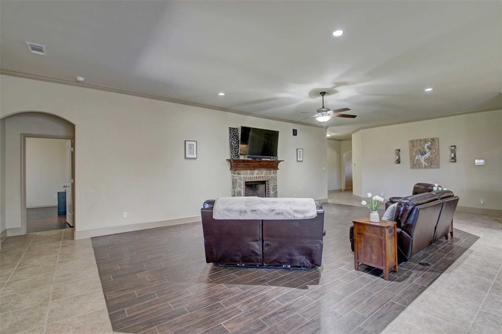 1684 Fraser Drive, Burleson, Texas 76028 - acquisto real estate best the colony realtor linda miller the bridges real estate