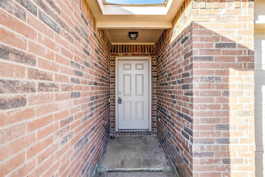 1261 Boxwood Lane, Burleson, Texas 76028 - Acquisto Real Estate best mckinney realtor hannah ewing stonebridge ranch expert