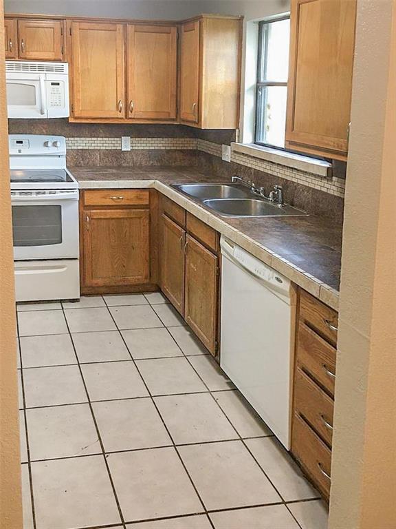 212 Brook Circle, Krum, Texas 76249 - acquisto real estate best highland park realtor amy gasperini fast real estate service