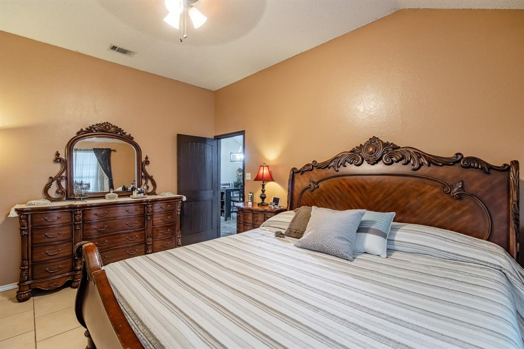 3314 Wilmington  Drive, Grand Prairie, Texas 75052 - acquisto real estate best investor home specialist mike shepherd relocation expert