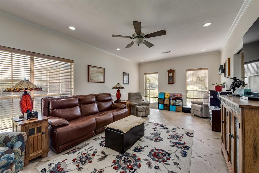 1506 Canterbury Court, Grand Prairie, Texas 75050 - acquisto real estate best real estate company in frisco texas real estate showings