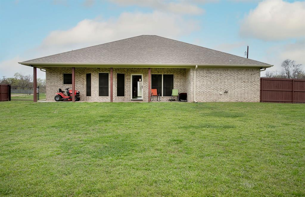 180 Bois D Arc  Street, Van, Texas 75790 - acquisto real estate best real estate company to work for