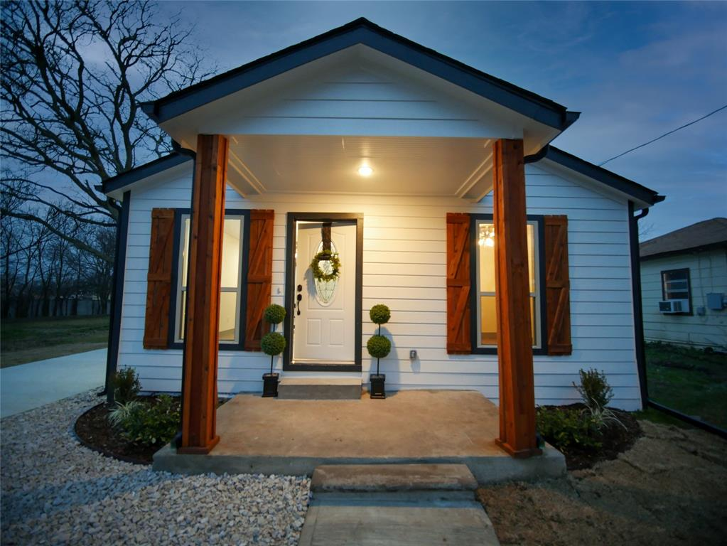 4506 Pickett Street, Greenville, Texas 75401 - acquisto real estate best realtor dfw jody daley liberty high school realtor