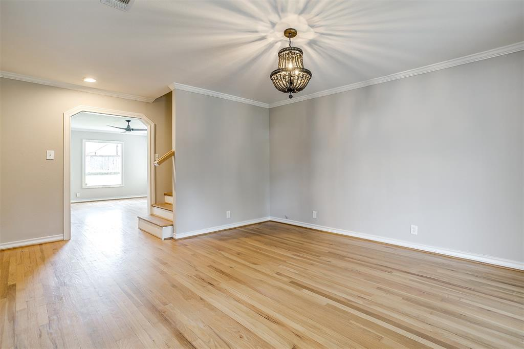 2939 6th Avenue, Fort Worth, Texas 76110 - acquisto real estate best highland park realtor amy gasperini fast real estate service