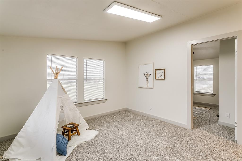 5925 Wild Berry  Trail, Joshua, Texas 76058 - acquisto real estate best realtor foreclosure real estate mike shepeherd walnut grove realtor