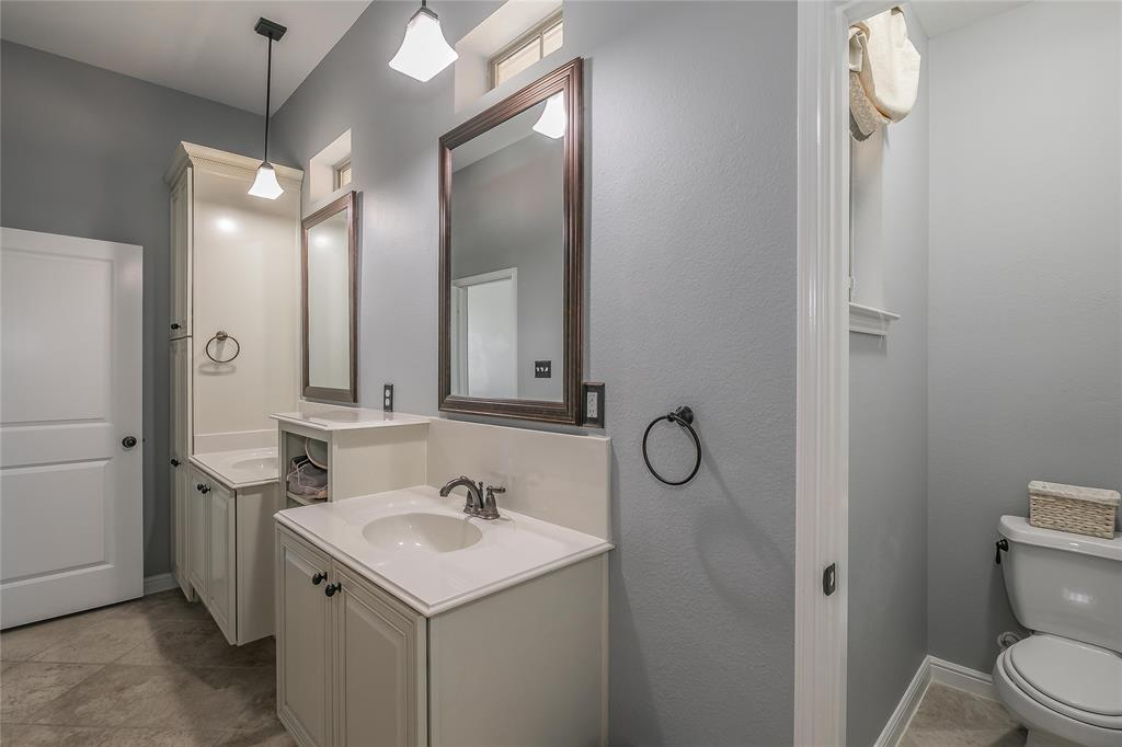 8616 Augustine Road, Irving, Texas 75063 - acquisto real estate mvp award real estate logan lawrence