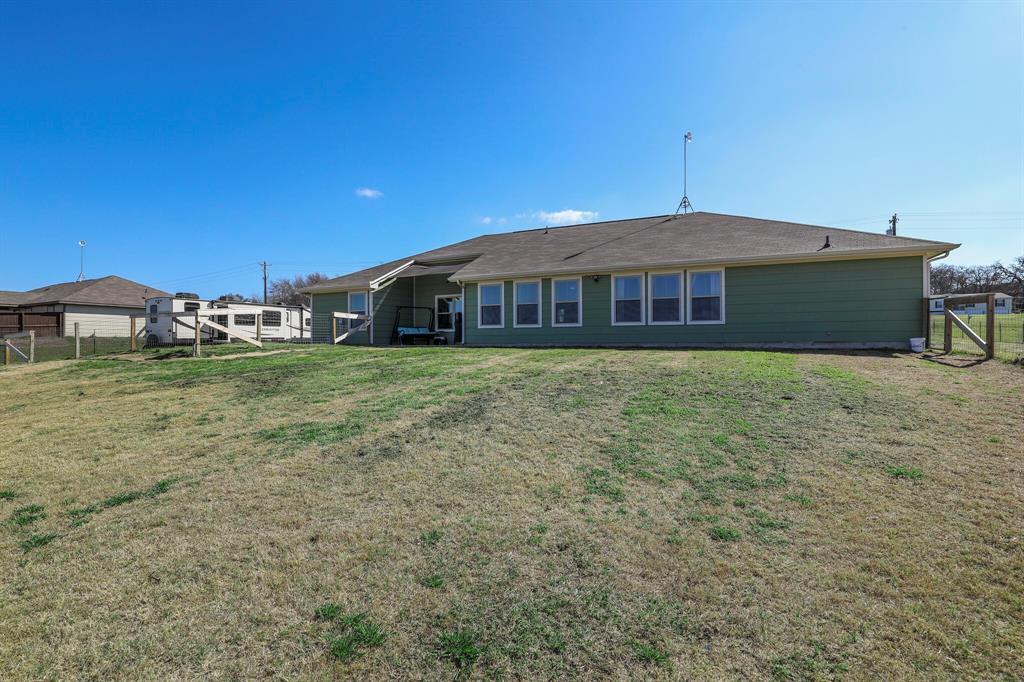 166 Blue Sky Lane, Springtown, Texas 76082 - acquisto real estate best park cities realtor kim miller best staging agent