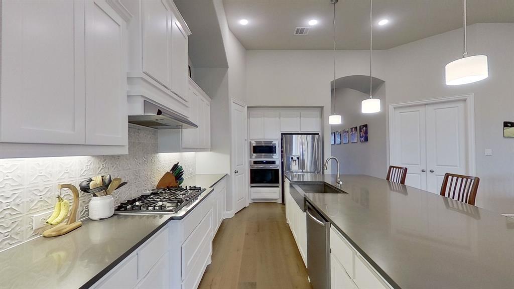 1041 Brookfield  Drive, Prosper, Texas 75078 - acquisto real estate best listing agent in the nation shana acquisto estate realtor