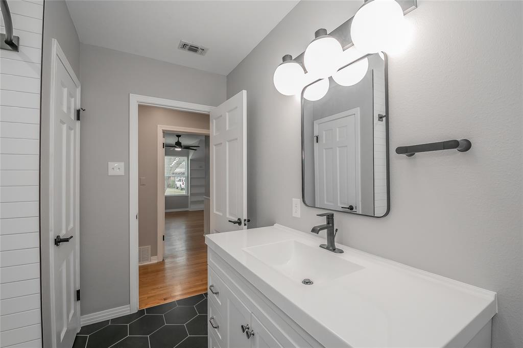 4213 Anita Avenue, Fort Worth, Texas 76109 - acquisto real estate best frisco real estate broker in texas for high net worth buyers