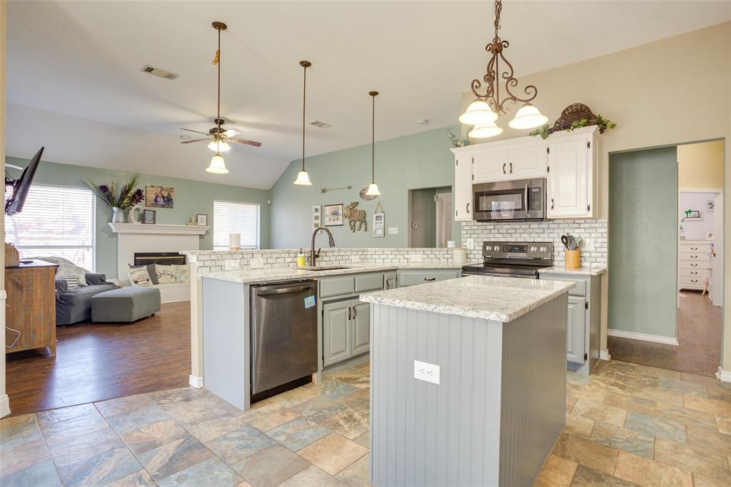 1341 Spinnaker Lane, Azle, Texas 76020 - acquisto real estate best allen realtor kim miller hunters creek expert