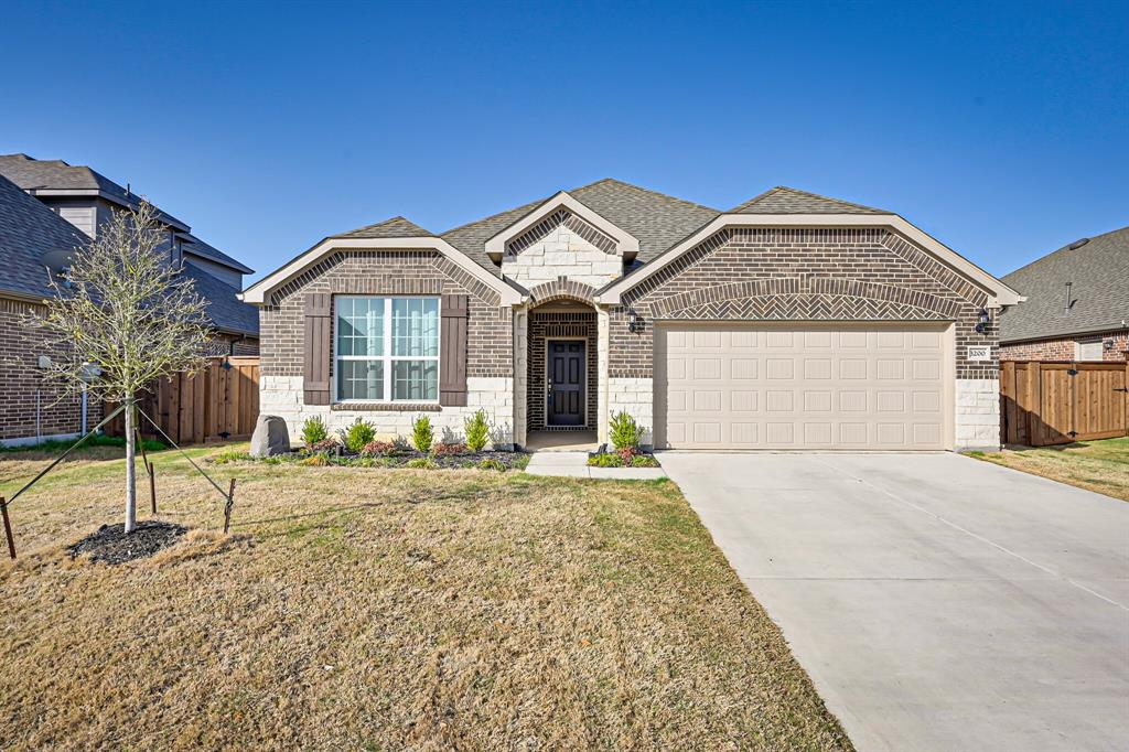 3200 Paxon Drive, Mansfield, Texas 76084 - Acquisto Real Estate best plano realtor mike Shepherd home owners association expert