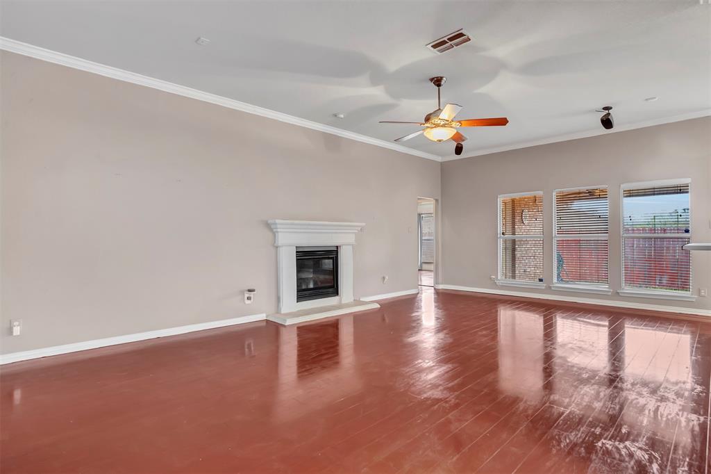 1811 Swaim Court, Arlington, Texas 76001 - acquisto real estate best celina realtor logan lawrence best dressed realtor