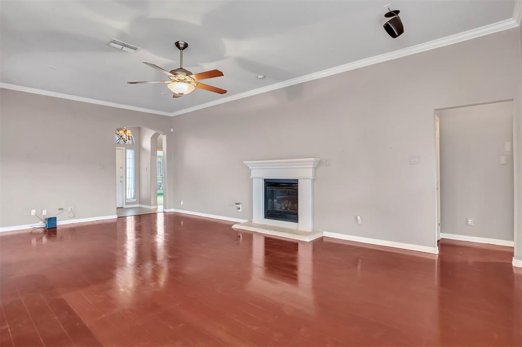 1811 Swaim Court, Arlington, Texas 76001 - acquisto real estate best highland park realtor amy gasperini fast real estate service