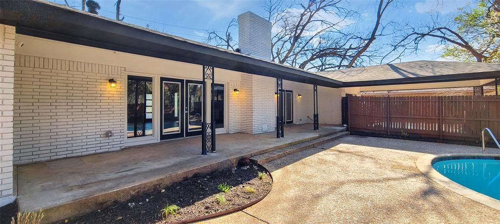 811 Red Bird Lane, Dallas, Texas 75232 - acquisto real estate best park cities realtor kim miller best staging agent