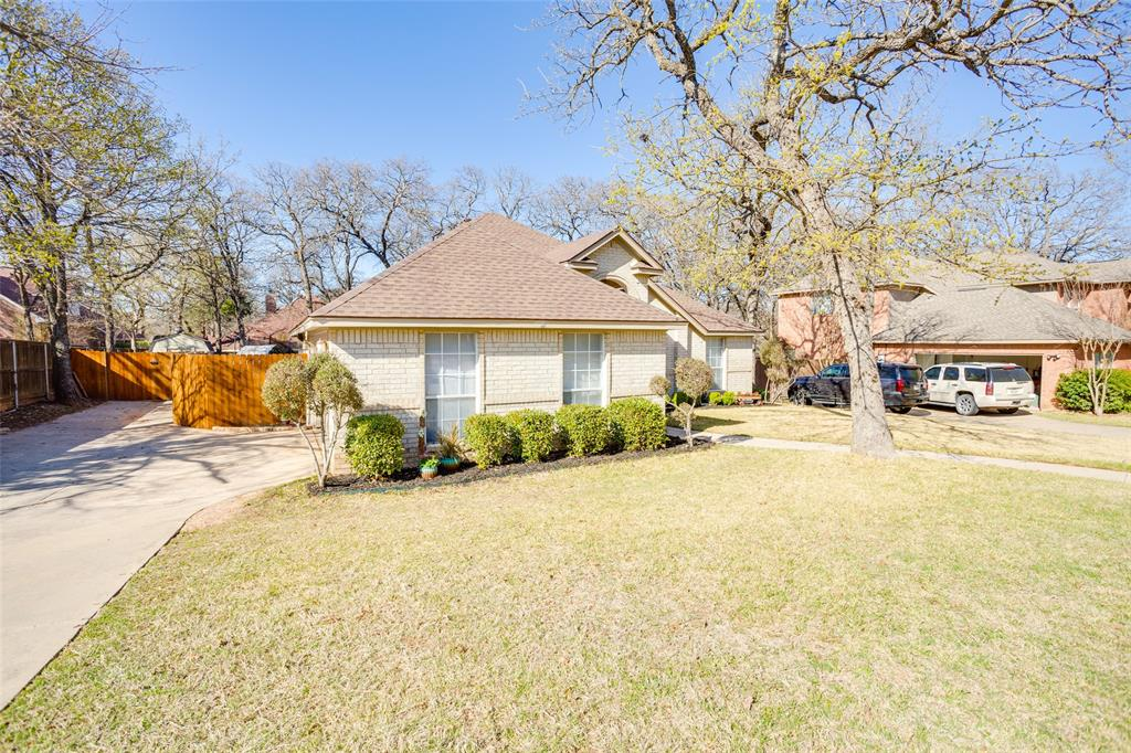 1341 Spinnaker Lane, Azle, Texas 76020 - acquisto real estate agent of the year mike shepherd