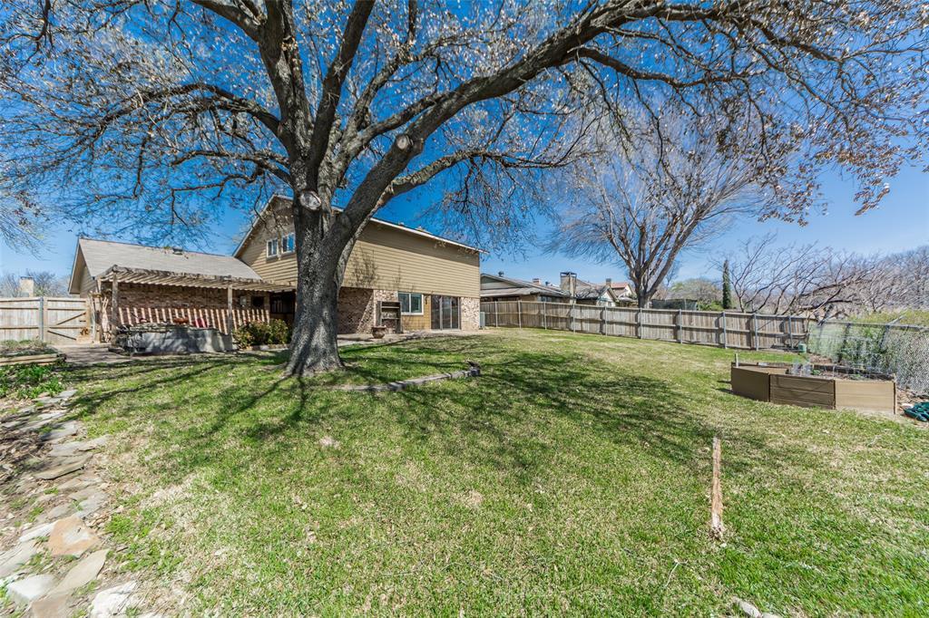 2412 Via Bonita  Carrollton, Texas 75006 - acquisto real estate best looking realtor in america shana acquisto