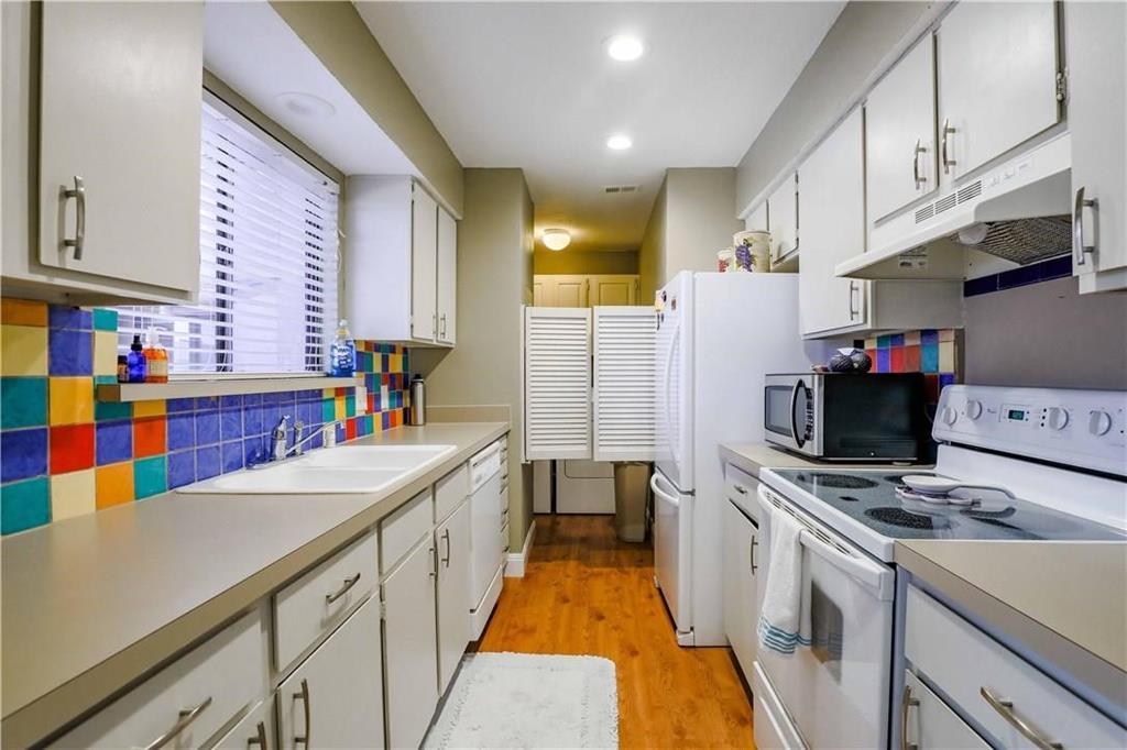 4916 Byers Avenue, Fort Worth, Texas 76107 - acquisto real estate best celina realtor logan lawrence best dressed realtor