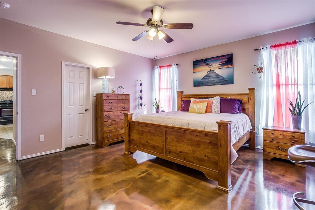 6005 Deck House Road, Fort Worth, Texas 76179 - acquisto real estate best negotiating realtor linda miller declutter realtor