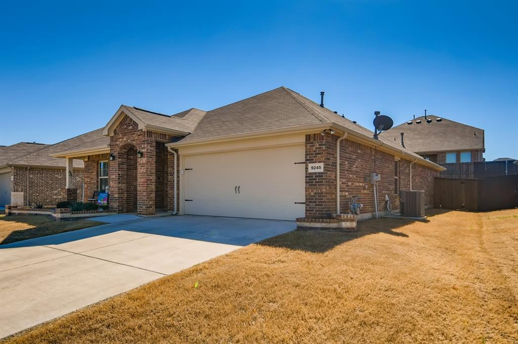 9245 Flying Eagle  Lane, Fort Worth, Texas 76131 - acquisto real estate best allen realtor kim miller hunters creek expert