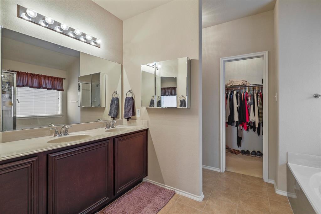 5040 Diamond Peak Court, McKinney, Texas 75071 - acquisto real estate best realtor dfw jody daley liberty high school realtor