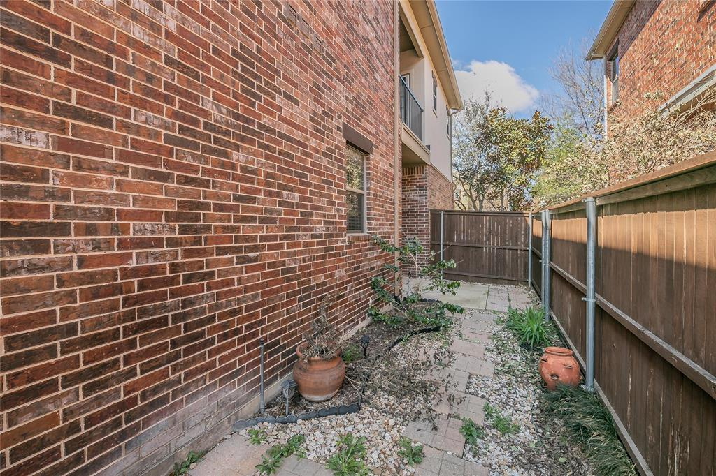 8616 Augustine Road, Irving, Texas 75063 - acquisto real estate best style realtor kim miller best real estate reviews dfw
