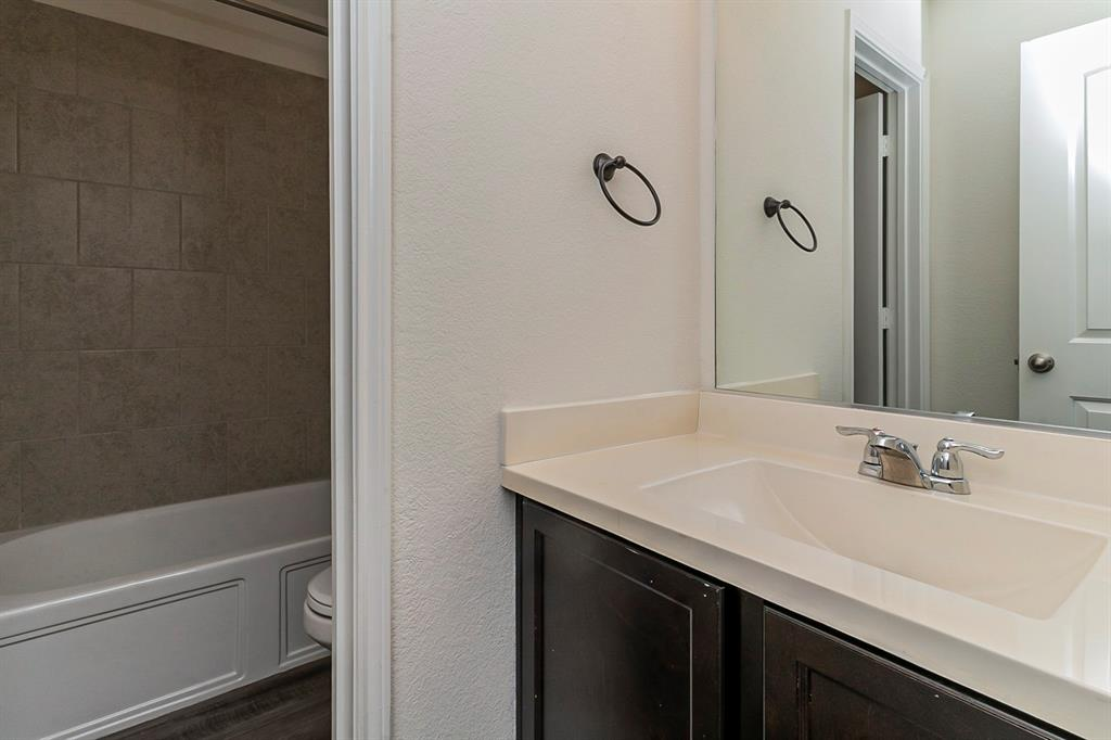 452 Saguaro  Drive, Fort Worth, Texas 76052 - acquisto real estate best photo company frisco 3d listings