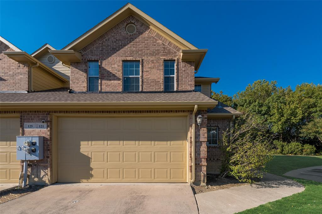 121 Barrington Lane, Lewisville, Texas 75067 - Acquisto Real Estate best plano realtor mike Shepherd home owners association expert