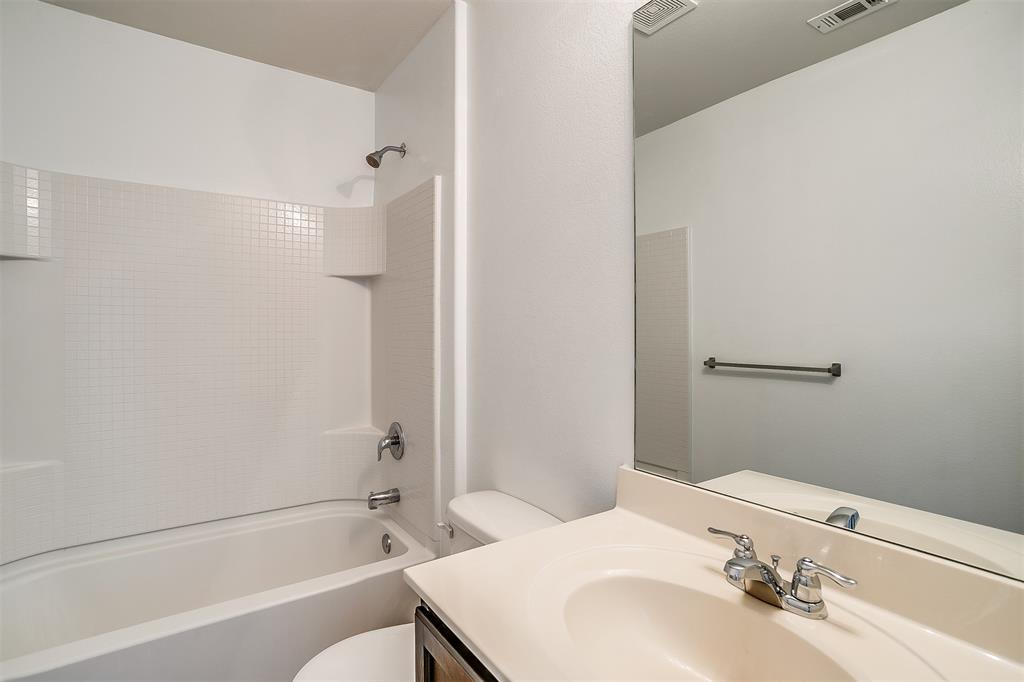 1261 Boxwood Lane, Burleson, Texas 76028 - acquisto real estate best celina realtor logan lawrence best dressed realtor