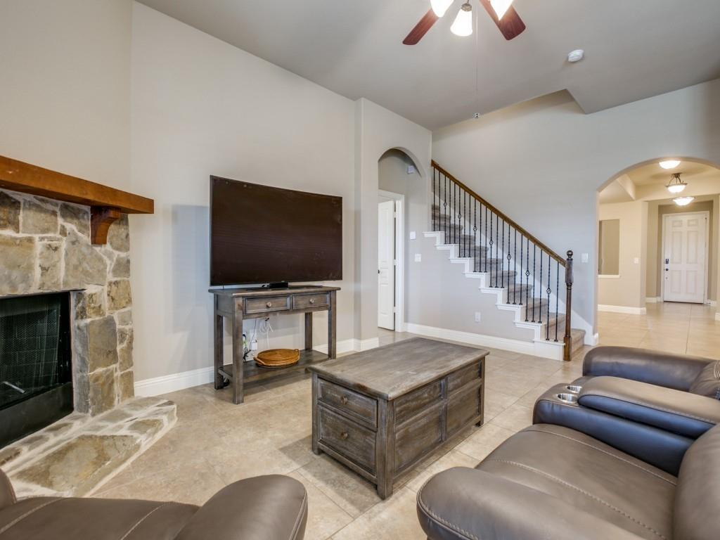 542 Hay Meadow Drive, Waxahachie, Texas 75165 - acquisto real estate best real estate company to work for