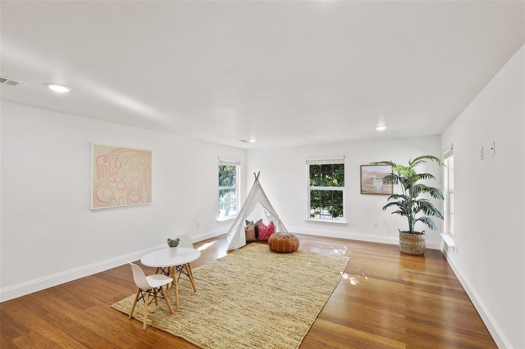 418 Montreal Avenue, Dallas, Texas 75208 - acquisto real estate best realtor dallas texas linda miller agent for cultural buyers