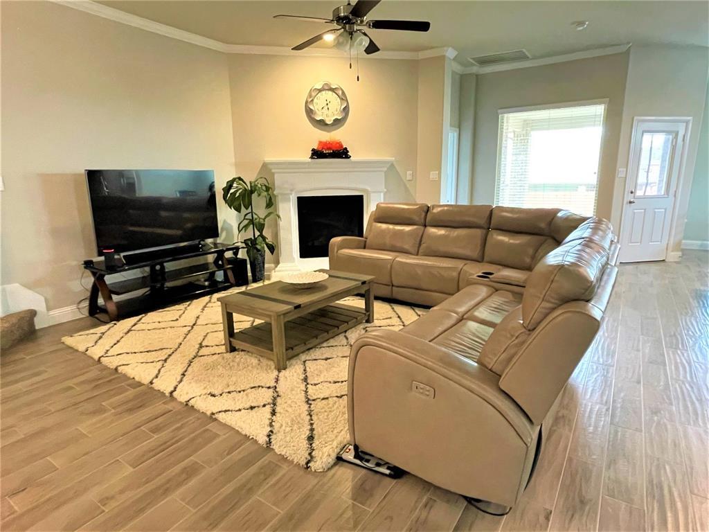 7502 Sweetwater Lane, Arlington, Texas 76002 - acquisto real estate best prosper realtor susan cancemi windfarms realtor