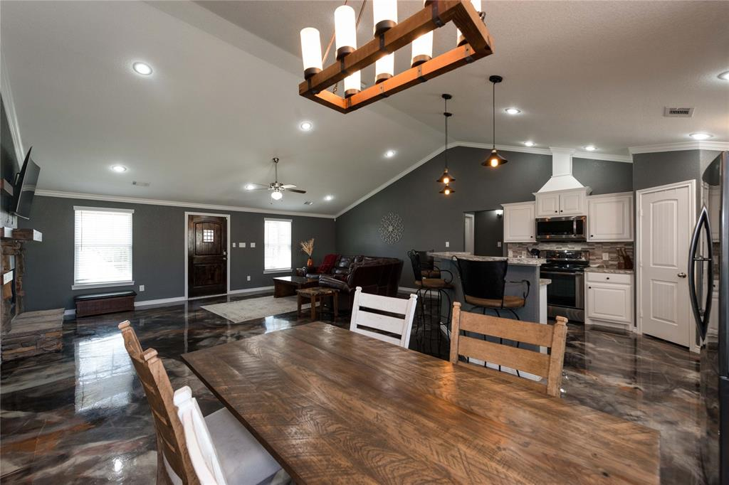 273 Mountain Pass  Drive, Bowie, Texas 76230 - acquisto real estate best real estate company to work for