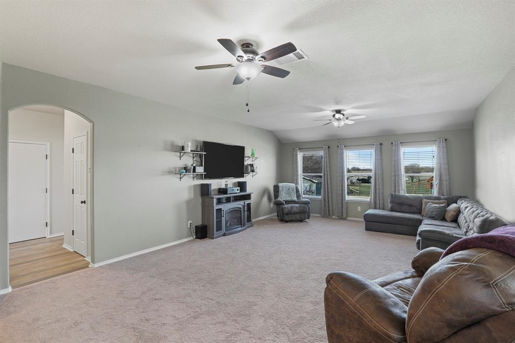 166 Blue Sky Lane, Springtown, Texas 76082 - acquisto real estate best new home sales realtor linda miller executor real estate