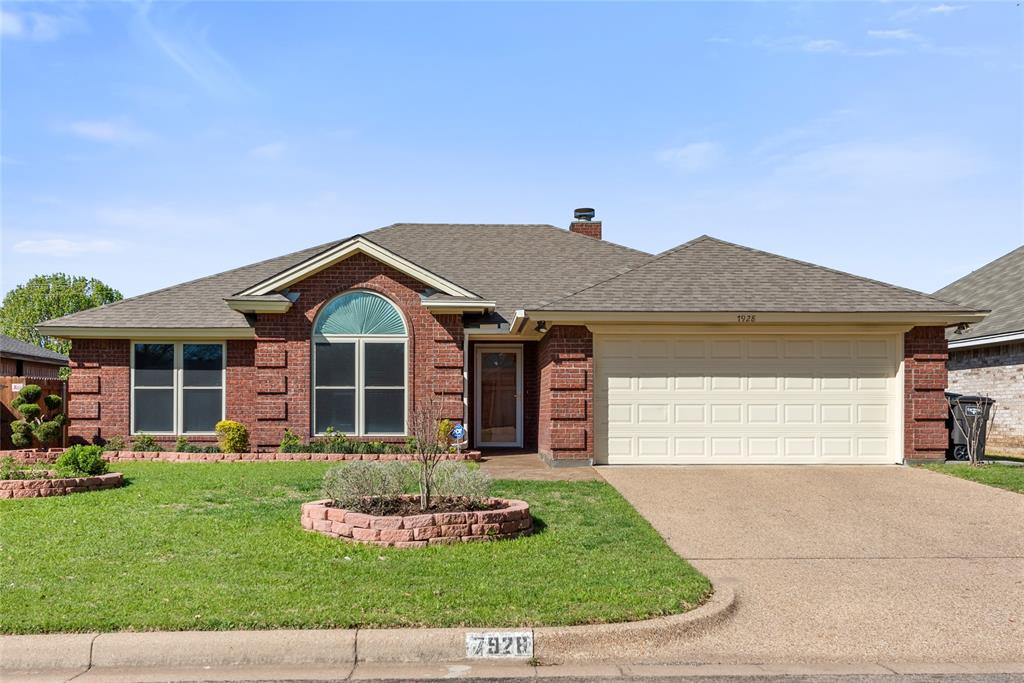 7928 Clear Brook Circle, Fort Worth, Texas 76123 - Acquisto Real Estate best plano realtor mike Shepherd home owners association expert