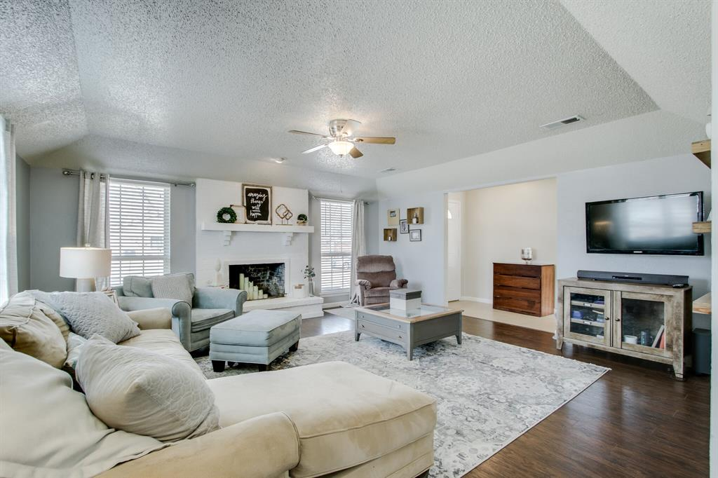 822 Century Park Drive, Garland, Texas 75040 - acquisto real estate best real estate company to work for