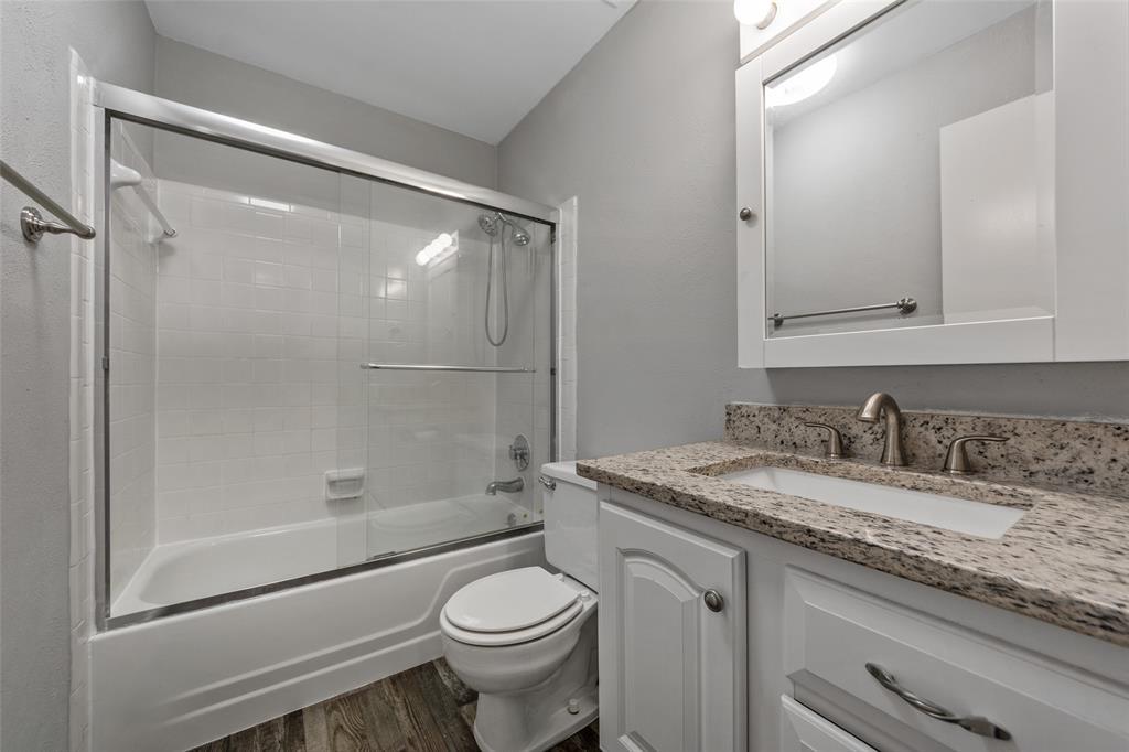2412 Via Bonita  Carrollton, Texas 75006 - acquisto real estate best photo company frisco 3d listings
