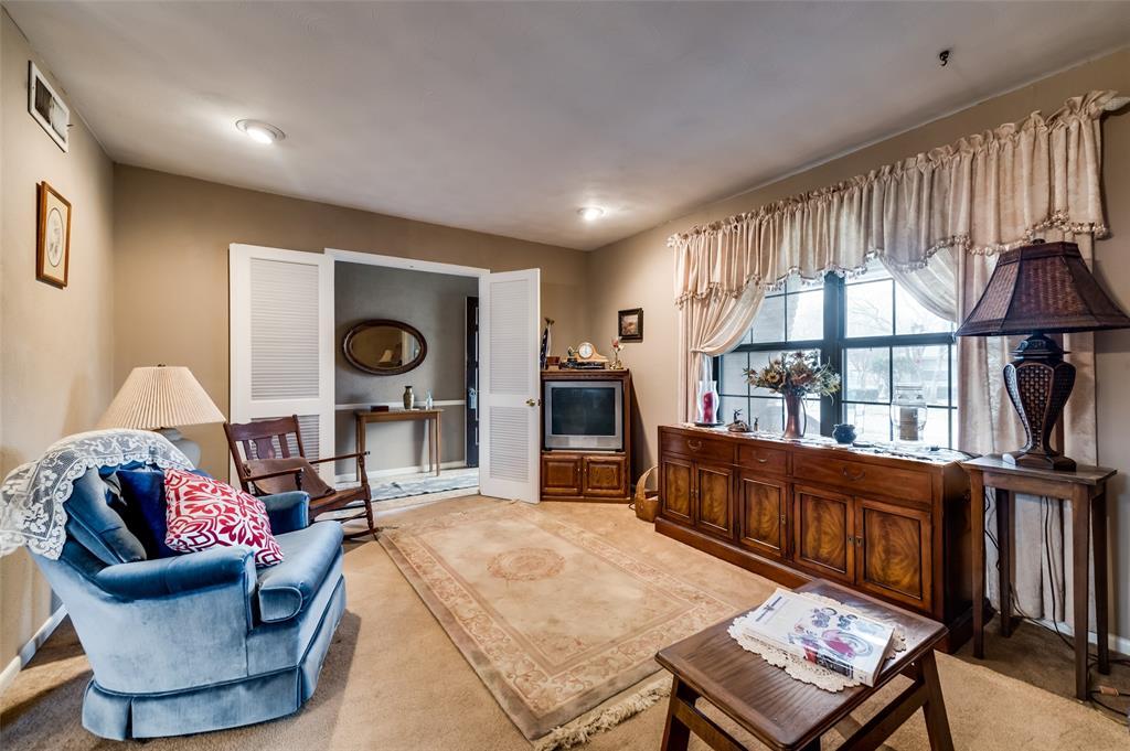 1109 Southgate Drive, Garland, Texas 75041 - acquisto real estate best highland park realtor amy gasperini fast real estate service