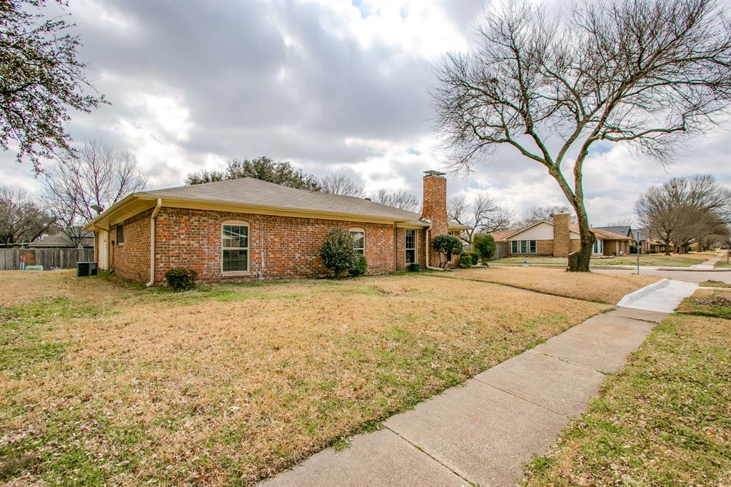 822 Century Park Drive, Garland, Texas 75040 - acquisto real estate best prosper realtor susan cancemi windfarms realtor