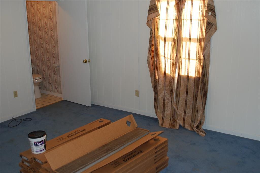 202 McFall Street, Whitesboro, Texas 76273 - acquisto real estate best realtor dallas texas linda miller agent for cultural buyers