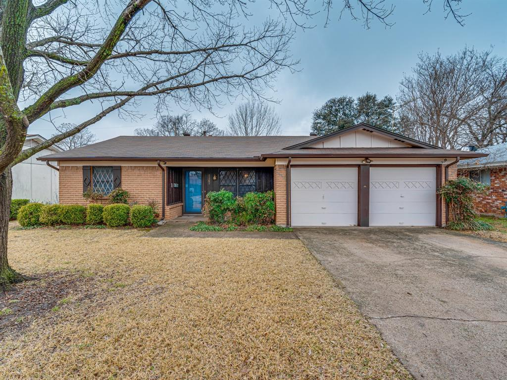 1101 Patricia Street, Irving, Texas 75060 - Acquisto Real Estate best plano realtor mike Shepherd home owners association expert