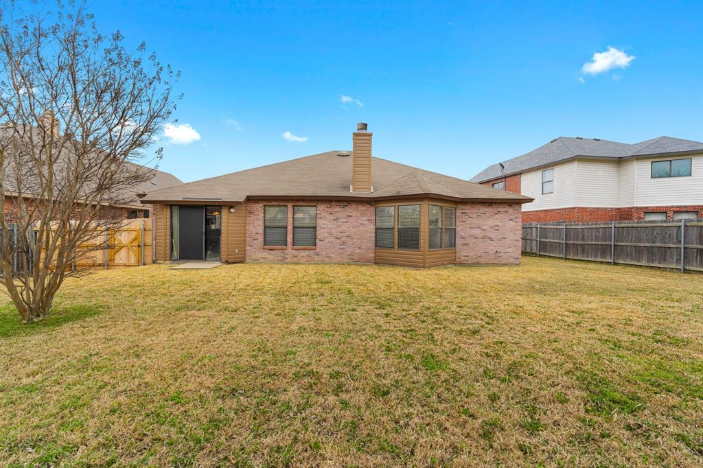 6606 BERYL Drive, Arlington, Texas 76002 - acquisto real estate best photos for luxury listings amy gasperini quick sale real estate