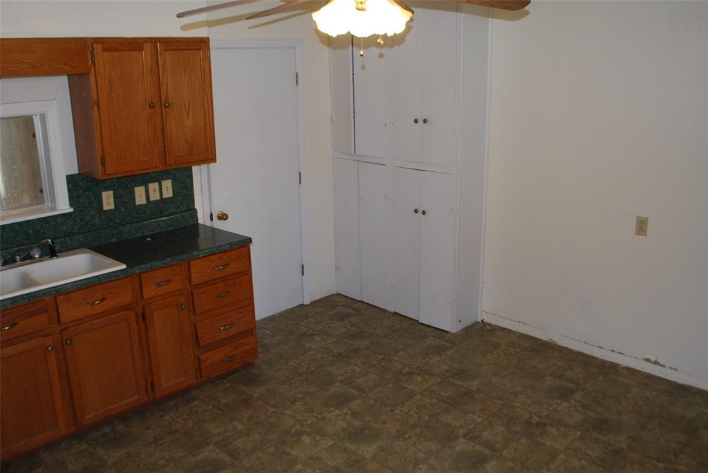 202 McFall Street, Whitesboro, Texas 76273 - acquisto real estate best designer and realtor hannah ewing kind realtor