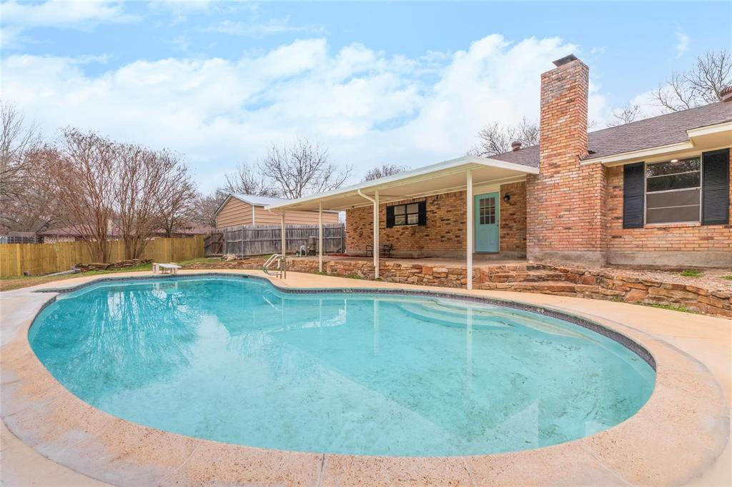 101 Northwood Street, Ovilla, Texas 75154 - acquisto real estate best plano real estate agent mike shepherd